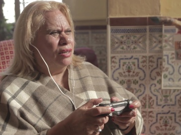 Carmina Barrios juega a Resident Evil 7