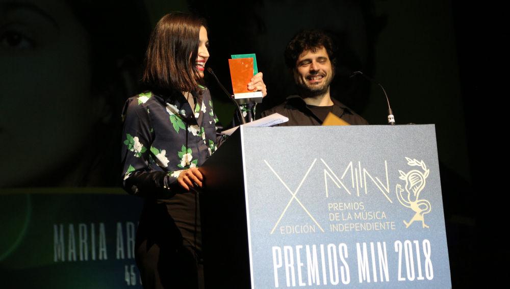 María Arnal i Marcel Bagés recogen uno de los premios