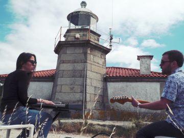 Apartamentos Acapulco interpretan 'Amigo sol' en Sesiones Ligeras